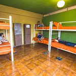 6 Dormitorio Mixto / Mixed Dorm