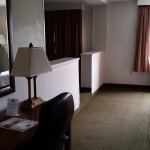 Photo de Days Inn & Suites Laurel Near Fort Meade