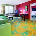 Photo of La Quinta Inn & Suites Milwaukee Bayshore Area