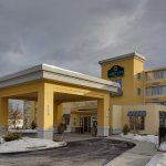 Photo of La Quinta Inn & Suites Manchester