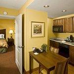 Photo de Homewood Suites by Hilton Portland