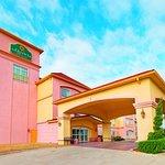 Photo of La Quinta Inn & Suites Glen Rose