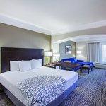 Photo of La Quinta Inn & Suites Lake Charles Casino Area