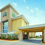 Photo of La Quinta Inn & Suites Dallas I-35 Walnut Hill Ln