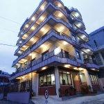 OYO 11463 Hotel Ezen