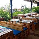 """Zdjęcie Bar & Pizza & BBQ """"Viktoria"""" Terrace"""