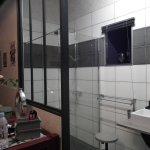 Grande et belle salle de bain