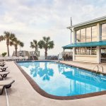 Oceanfront Litchfield Inn Photo