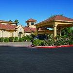 Foto de La Quinta Inn & Suites Phoenix Scottsdale