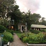 Foto de Allen Harbor Breeze Inn & Gardens