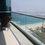 JA Oasis Beach Tower Foto