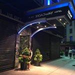 Foto de Broadway Plaza Hotel