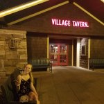 Village Tavern Hanes Mall Foto