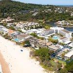 Maison Noosa - Absolute beachfront location