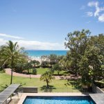 Maison Noosa - absolute beachfront