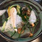 Plat: Saint Pierre nature, courgette, poivrade et oignons grillés