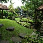 Duta Garden Boutique Villa - grounds