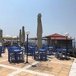 An der Uferpromenade von Edipso