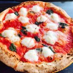 Photo de Tony's Pizza Napoletana