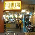 صورة فوتوغرافية لـ Yellow Cab Pizza Co.