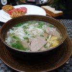 une des soupes servies si vous choisissez un petit déjeuner vietnamien