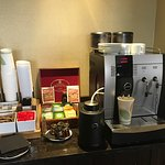 Club Lounge (hot drink selection), good espresso machine!