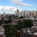 Vista da cidade de Cuiabá às 08:00 da manhã da janela do 3º andar do hotem Amazon.
