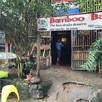 Luckydaisy's Bamboo Bar + Restaurant. Foto