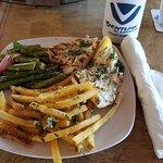 Manatee Island Bar & Grill照片