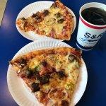 S&R New York Style Pizzaの写真