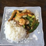 Lunch special: shrimp with vegetables