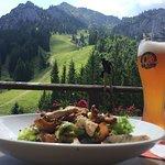 Putenstreifen Salat mit Pfifferlingen und Speck ins Aussicht Tegelberg