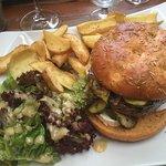 Magret aux cèpes super ainsi que le burger bien provençal