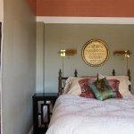 Oak Bay Guest House Photo