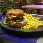 Burger chèvre et miel et le corsican