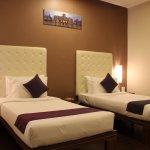 OYO 8045 Crest Hotel