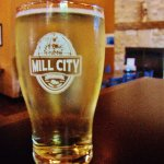 APFEL BANANE cider in Mill City pint glass