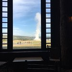 Photo de Old Faithful Snow Lodge and Cabins