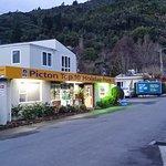 Picton Top 10 Foto