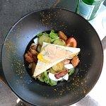 rillons, foie gras, tomtes, oeufs durs, pommes de terre