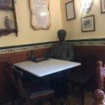 Garcia-Lorca statue at a table ;)