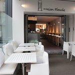 Wij nodigen u graag uit binnen te wandelen bij Maison-Blanche