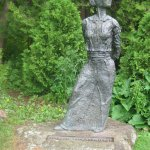 Statue of Edn St. Vincent Millay