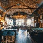 Me KING bar & restaurant. Ежедневно с 12:00.