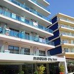 마노우소스 시티 호텔의 사진