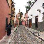 Rodeados de iglesias, céntrico, un buen hotel en este pintoresco pueblo