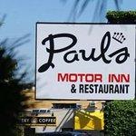PAUL'S RESTAURANT / VICTORIA BC