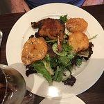 Achei excelente!!  O steak tartar estava bom mesmo Lugar aconchegante garçom muito simpático...e