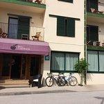 Photo de Hotel Tarongeta