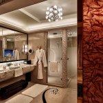 Galaxy Royal Suite Bathroom